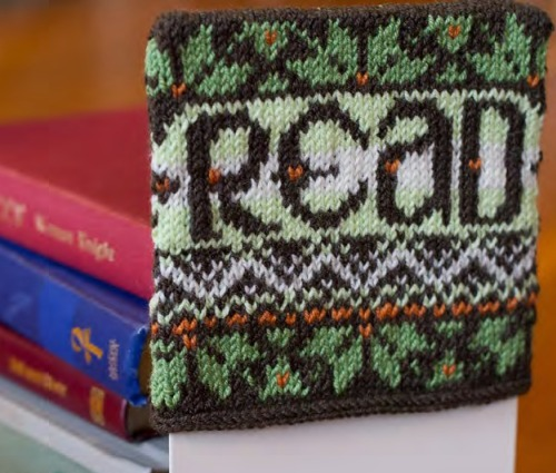 Athena's Bookends pattern by Kendra Nitta @missknitta; available at www.ravelry.com/store/missknittas-studio