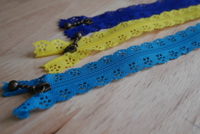 Zippers from The Sewing Shop, Canterbury, UK @sewingshopsunst, photo by Kendra Nitta @missknitta